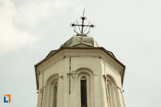 turn-cu-cruce-de-la-biserica-sf-arhangheli-din-slatina-judetul-olt.jpg