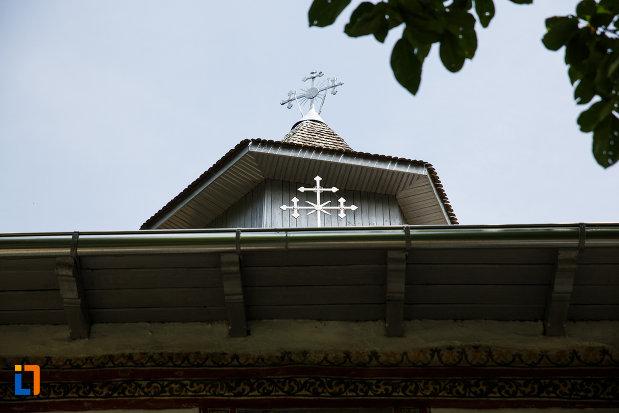 turn-cu-cruce-de-la-biserica-sf-nicolae-din-breaza-judetul-prahova.jpg