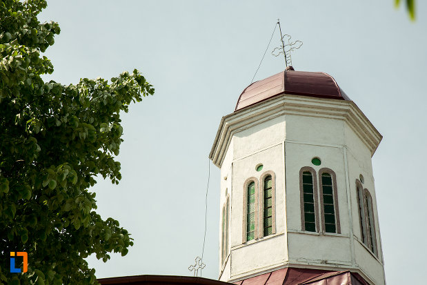 turn-cu-cruce-de-la-biserica-sf-nicolae-din-slatina-judetul-olt.jpg