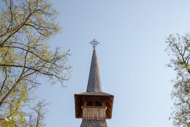 turn-cu-cruce-manastirea-scarisoara-noua-judetul-satu-mare.jpg