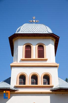 turn-cu-ferestre-biserica-sf-nicolae-din-oltenita-judetul-calarasi.jpg