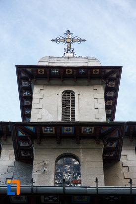 turn-cu-vitralii-de-la-biserica-domneasca-nasterea-maicii-domnului-din-busteni-judetul-prahova.jpg