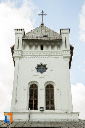turn-cu-vitralii-manastirea-tismana-judetul-gorj.jpg