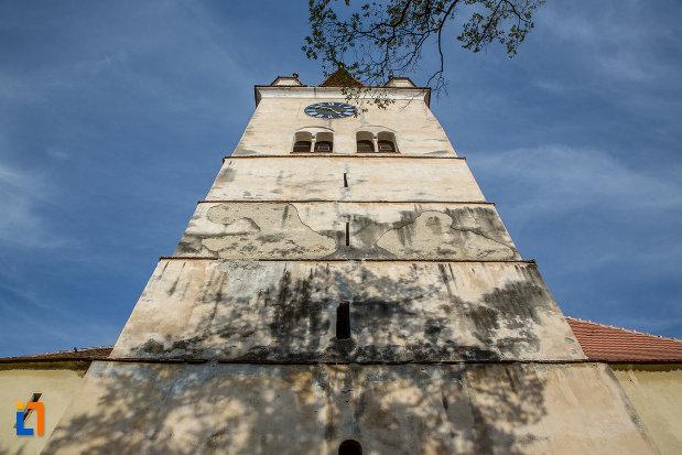 turn-de-biserica-vazut-de-jos-biserica-evanghelica-fortificata-din-cisnadie-judetul-sibiu.jpg