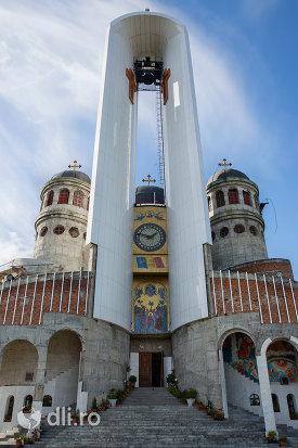 turn-de-clopotnita-de-la-catedrala-ortodoxa-sfanta-vineri-din-zalau-judetul-salaj.jpg
