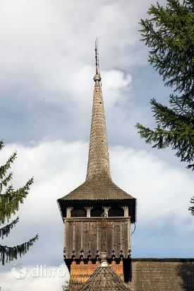 turn-de-la-biserica-de-lemn-nasterea-maicii-domnului-din-calinesti-judetul-maramures.jpg