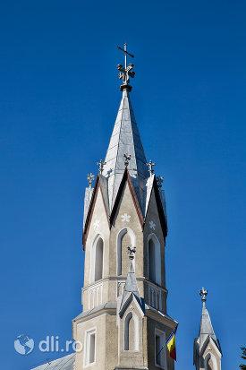 turn-de-la-biserica-ortodoxa-adormirea-maicii-domului-din-sighetu-marmatiei-judetul-maramures.jpg