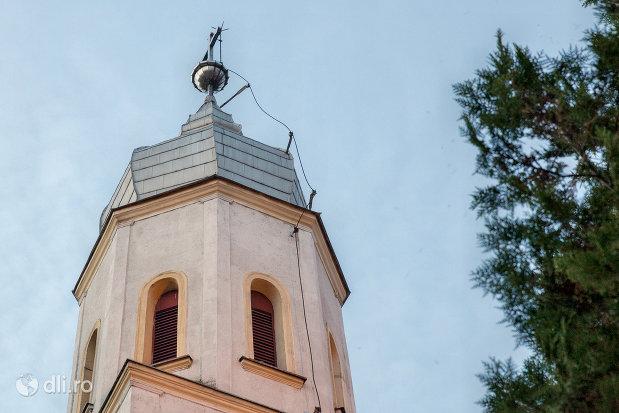 turn-de-la-biserica-ortodoxa-din-valea-lui-mihai-judetul-bihor.jpg