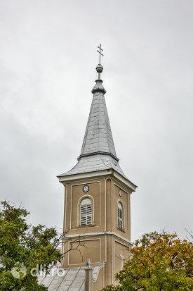 turn-de-la-biserica-sf-arhangheli-mihail-si-gavril-din-amati-judetul-satu-mare.jpg