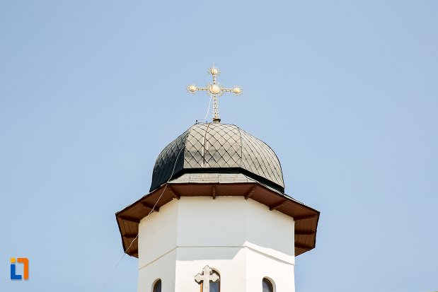 turn-de-la-biserica-sf-arhangheli-mihail-si-gavril-din-topoloveni-judetul-arges.jpg