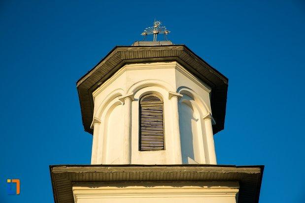 turn-de-la-biserica-sf-imparati-constantin-si-elena-din-buzau-judetul-buzau.jpg