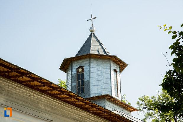 turn-de-la-biserica-sf-voievozi-cata-din-ramnicu-sarat-judetul-buzau.jpg