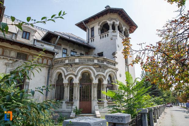 turn-de-la-casa-radu-stanian-ulterior-casa-n-constantinescu-bordeni-1850-din-ploiesti-judetul-prahova.jpg