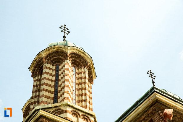 turn-de-la-catedrala-mitropolitana-sf-dimitrie-din-craiova-judetul-dolj.jpg