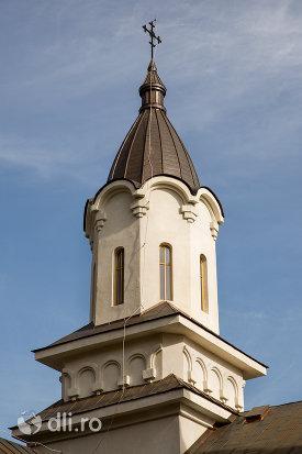 turn-de-la-turnuri-de-la-biserica-ortodoxa-nasterea-maicii-domnului-din-cavnic-judetul-maramures.jpg