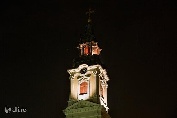 turn-luminat-catedrala-ortodoxa-adormirea-maicii-domnului-biserica-cu-luna-din-oradea-judetul-bihor.jpg
