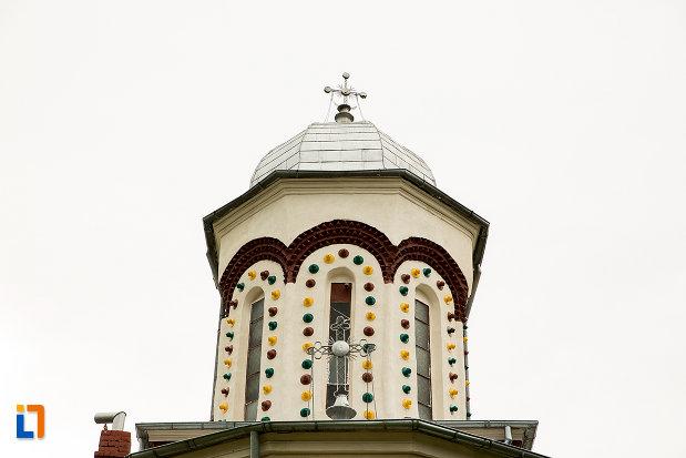 turn-si-cruce-de-la-biserica-sf-ilie-din-campulung-muscel-judetul-arges.jpg