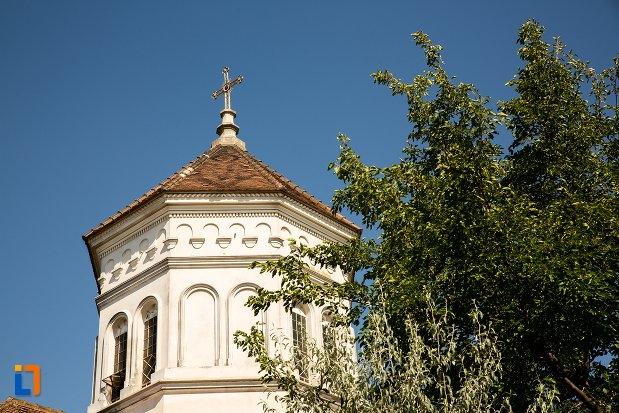 turn-si-cruce-de-la-biserica-sf-mina-din-braila-judetul-braila.jpg