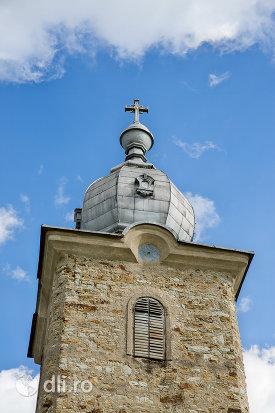 turn-si-cruce-de-la-manastirea-sfintii-apostoli-petru-si-pavel-din-bixad-judetul-satu-mare.jpg