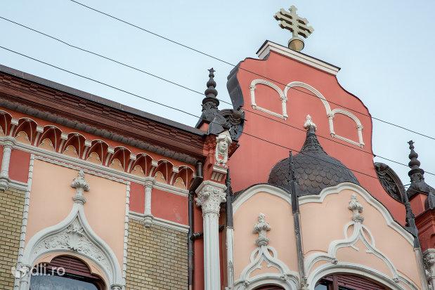 turn-si-cruce-patriarhia-romana-episcopia-ortodoxa-romana-a-oradei-palatul-rimanoczy-junior-din-oradea-judetul-bihor.jpg