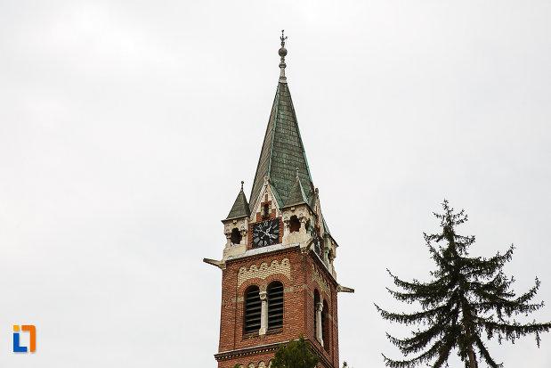 turnul-cu-ceas-de-la-biserica-reformata-din-deva-judetul-hunedoara.jpg