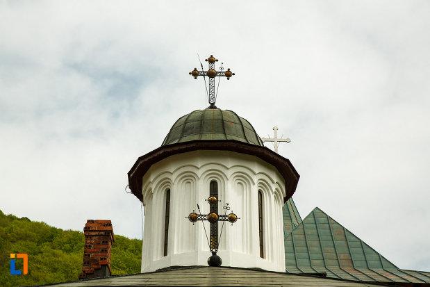 turnul-cu-cruce-de-la-manastirea-turnu-din-pausa-judetul-valcea.jpg