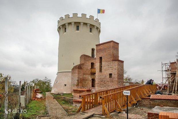 turnul-cu-steag-de-la-cetatea-ardud.jpg