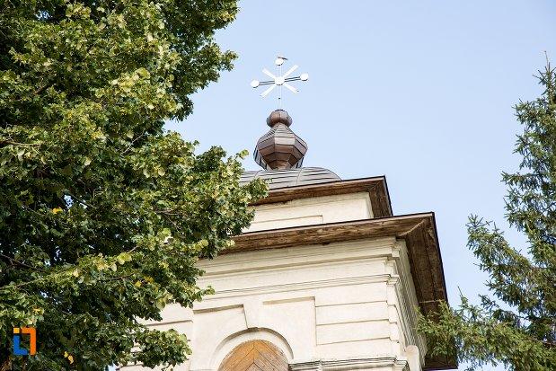 turnul-de-intrare-de-la-ansamblul-bisericii-sf-nicolae-din-darabani-judetul-botosani.jpg