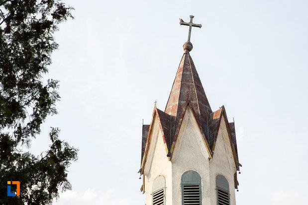 turnul-de-la-biserica-adormirea-maici-domnului-din-bocsa-judetul-caras-severin.jpg