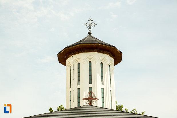 turnul-de-la-biserica-adormirea-maicii-domnului-1697-din-ramnicu-sarat-judetul-buzau.jpg
