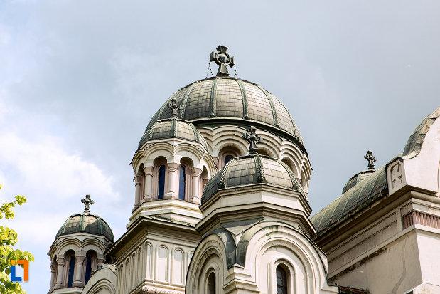 turnul-de-la-biserica-adormirea-maicii-domnului-din-craiova-judetul-dolj.jpg