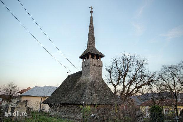 turnul-de-la-biserica-de-lemn-din-creaca-judetul-salaj.jpg