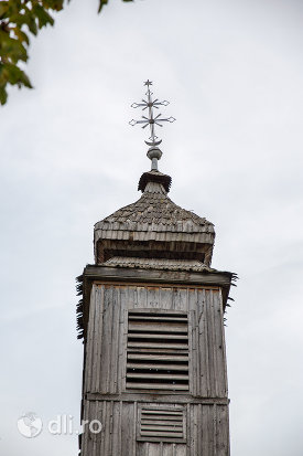 turnul-de-la-biserica-de-lemn-sf-arhangheli-mihail-si-gavril-din-stramtura-judetul-satu-mare.jpg