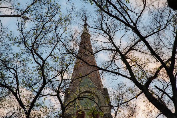 turnul-de-la-biserica-evangelica-din-oradea-judetul-bihor.jpg