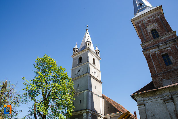 turnul-de-la-biserica-evanghelica-din-orastie-judetul-hunedoara.jpg