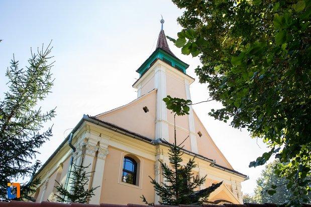 turnul-de-la-biserica-evanghelica-maghiara-blumana-din-brasov-judetul-brasov.jpg