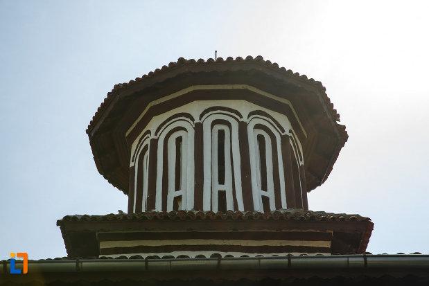turnul-de-la-biserica-muzeu-sf-ilie-biserica-noua-din-dragasani.jpg