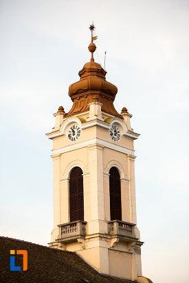 turnul-de-la-biserica-reformata-din-arad-judetul-arad.jpg