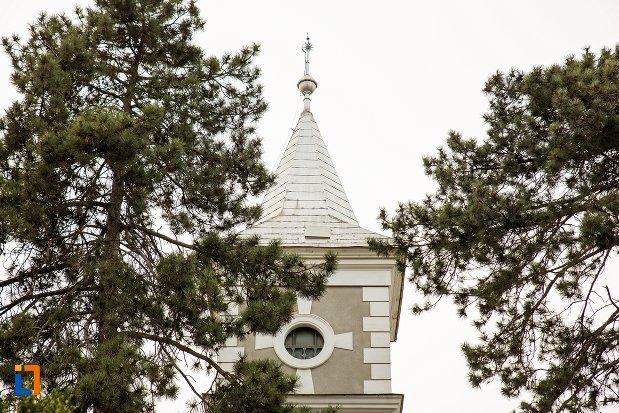 turnul-de-la-biserica-reformata-din-ocna-mures-judetul-alba.jpg