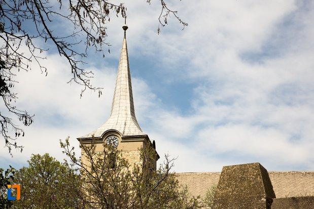turnul-de-la-biserica-reformata-din-teius-judetul-alba.jpg