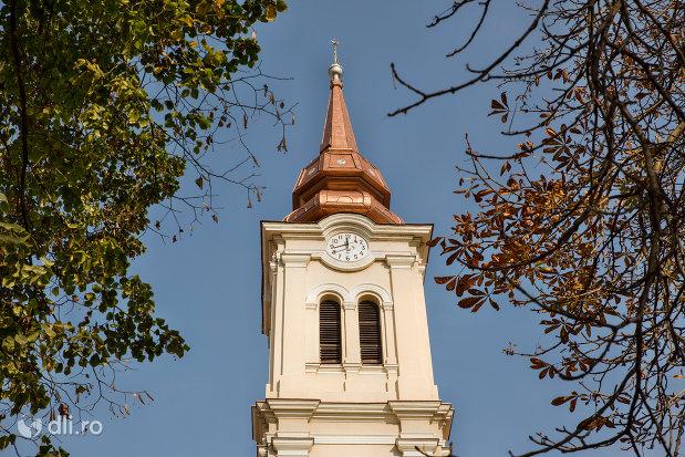 turnul-de-la-biserica-reformata-olosig-din-oradea-judetul-bihor.jpg