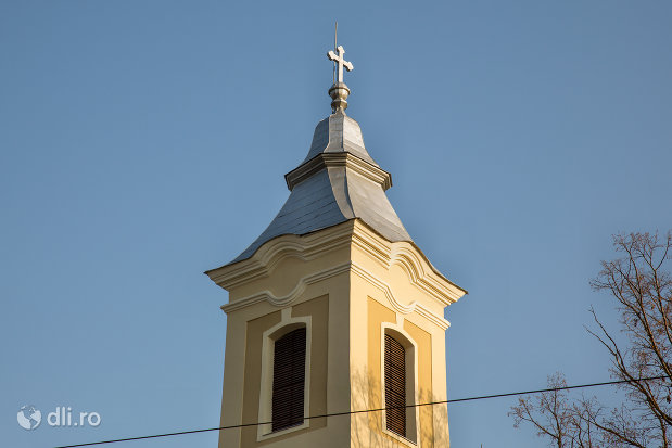 turnul-de-la-biserica-romano-carolica-din-adoni-judetul-bihor.jpg