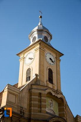 turnul-de-la-biserica-romano-catolica-din-brasov-judetul-brasov.jpg