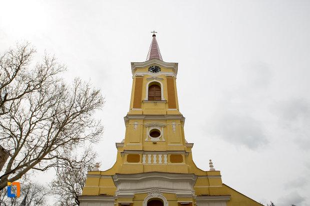 turnul-de-la-biserica-romano-catolica-din-caransebes-1725-judetul-caras-severin.jpg