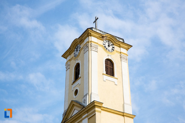 turnul-de-la-biserica-romano-catolica-din-oravita-judetul-caras-severin.jpg
