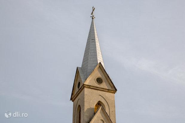 turnul-de-la-biserica-romano-catolica-din-valea-lui-mihai-judetul-bihor.jpg