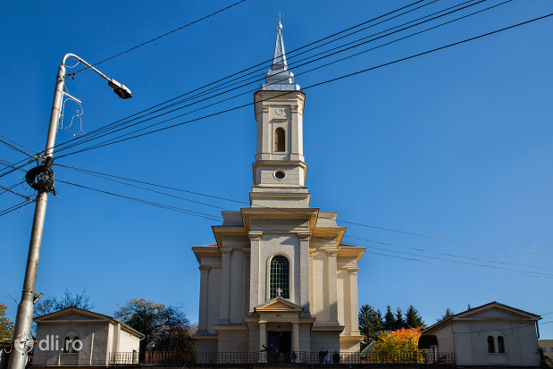 turnul-de-la-biserica-romano-catolica-din-zalau-judetul-salaj.jpg