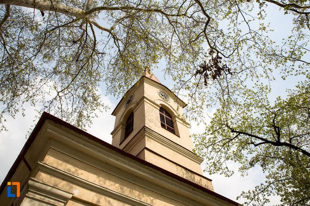 turnul-de-la-biserica-romano-catolica-maria-zapezii-1848-din-resita-judetul-crasa-severin.jpg