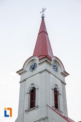turnul-de-la-biserica-romano-catolica-nasterea-sfintei-fecioare-maria-din-radauti-judetul-suceava.jpg