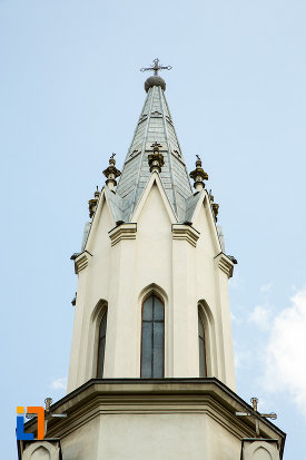 turnul-de-la-biserica-romano-catolica-sf-anton-din-craiova-judetul-dolj.jpg
